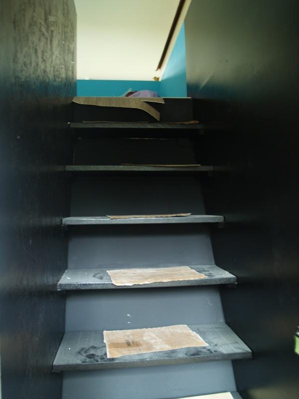 La Maison sous les Chênes - l'escalier noir
